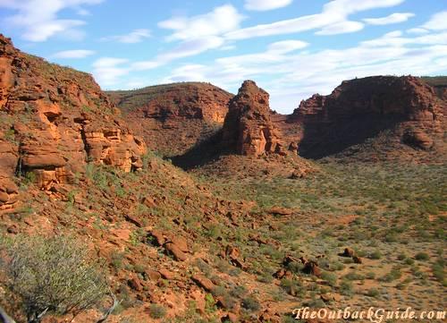 http://www.outback-australia-travel-secrets.com/image-files/australian-desert-pictures-10.jpg