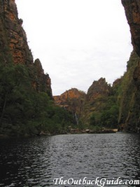 Twin Falls Gorge: view towards the falls