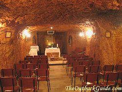 coober pedy underground homes dugouts rh outback australia travel secrets com