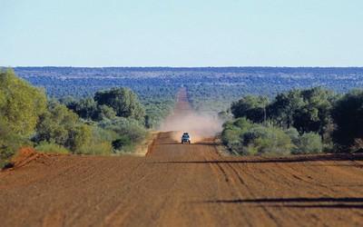 The Mereenie Loop Road  (Alice Springs area)