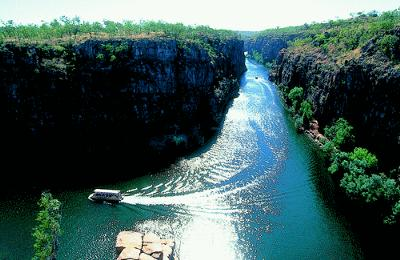 Cruising through Katherine Gorge